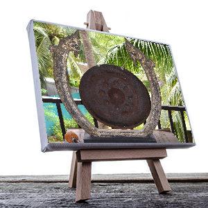 egen bild från Thailand med en gong gong. Semesterbild på canvas